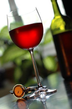 Œnologie : une enzyme pour stabiliser la couleur des vins rouges
