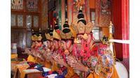 Cérémonie des moines tibétains du monastère de Nechung © N.Esber / MCM