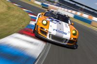 Bernhard, Dumas and Rockenfeller pilot Porsche 911 GT3 R Hybrid