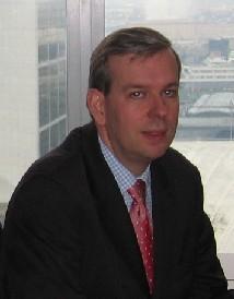 Eric Henry, Responsable produit e-Trade et Supply Chain à la Direction du Développement – Banque Transactionnelle au sein de HSBC