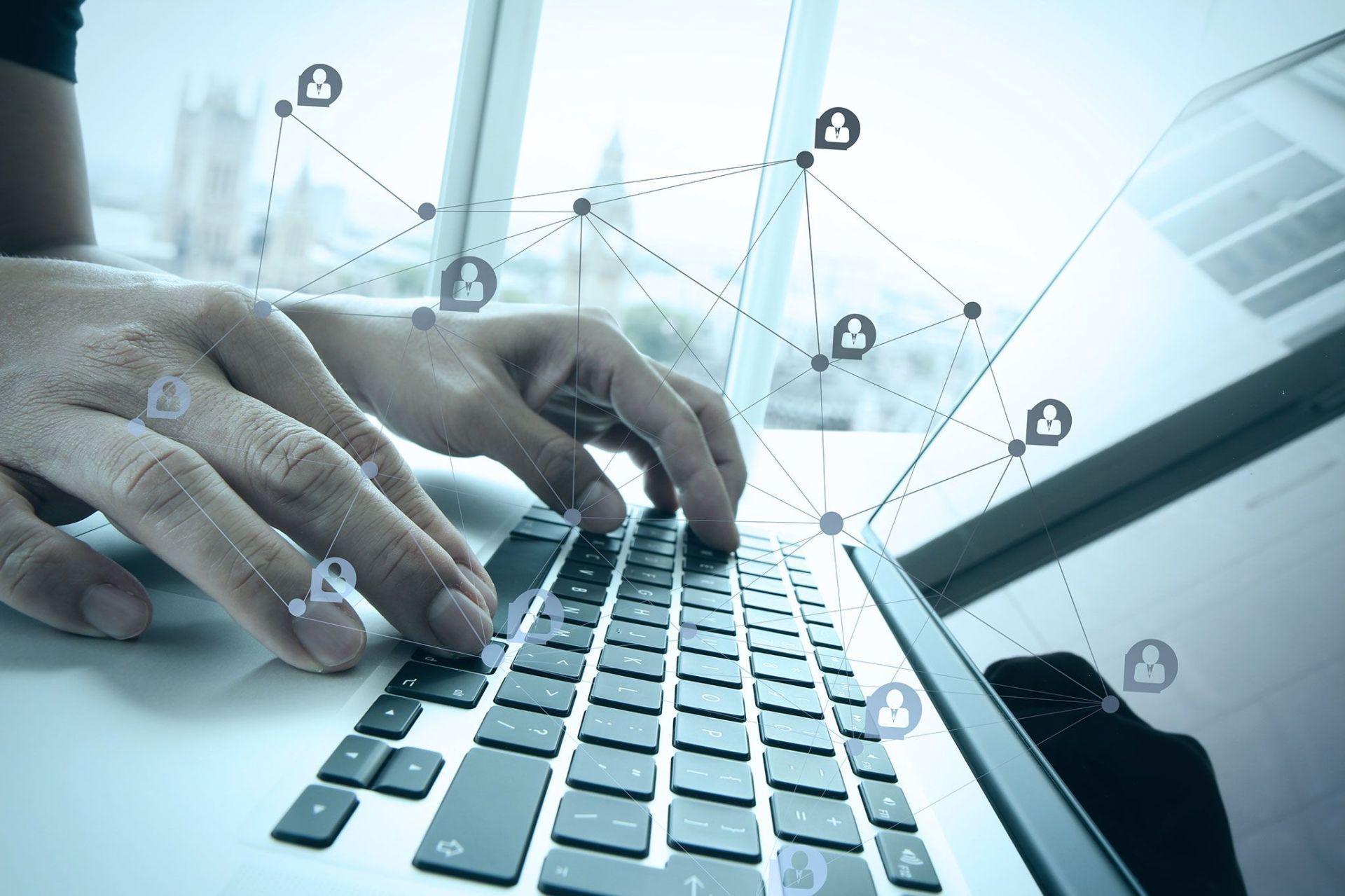 D'ici cinq ans, près de la moitié des PME françaises souscriront à leur assurance en ligne