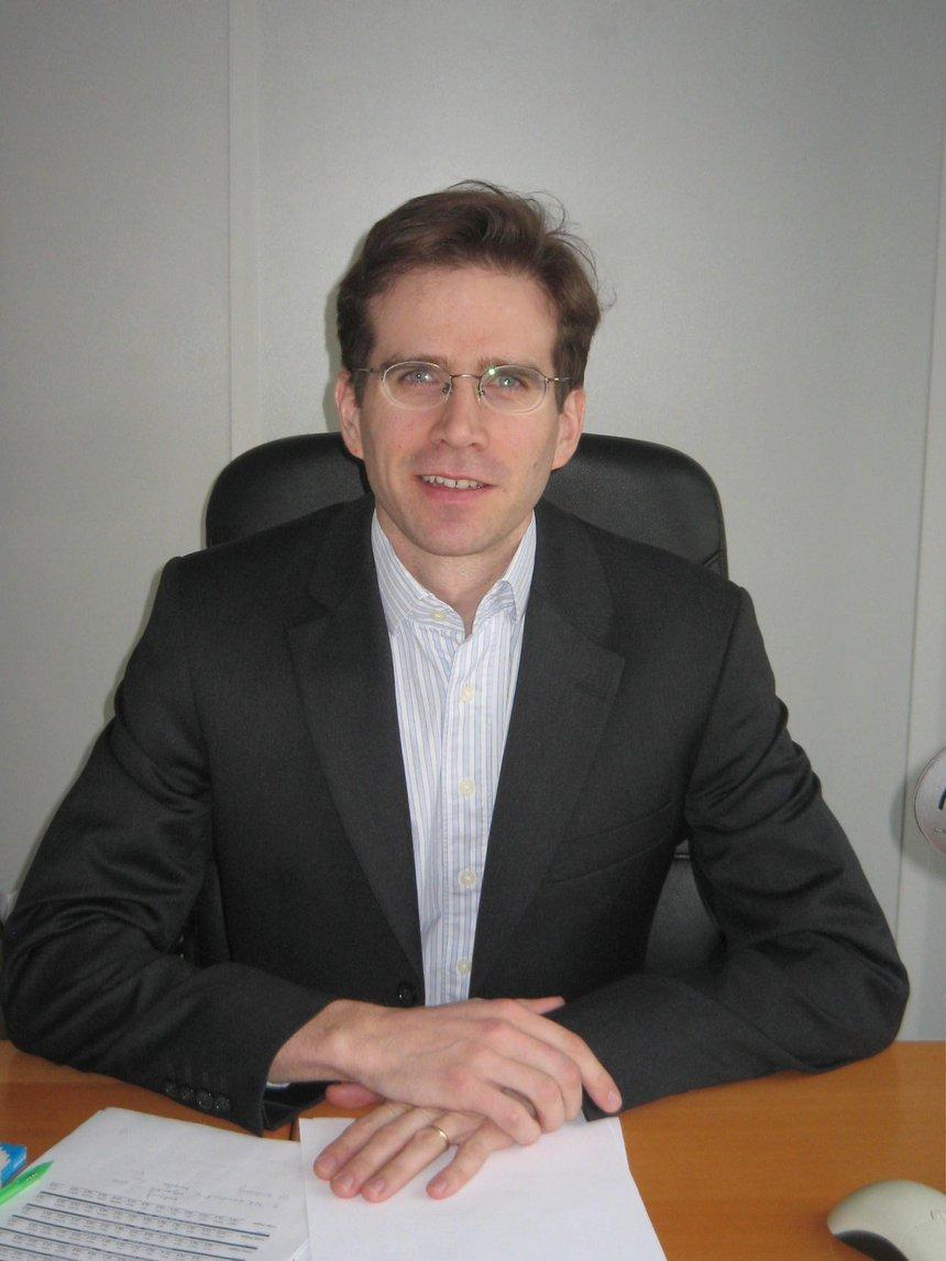 Jean-Emmanuel Franque, nommé directeur administratif et financier de Metro France